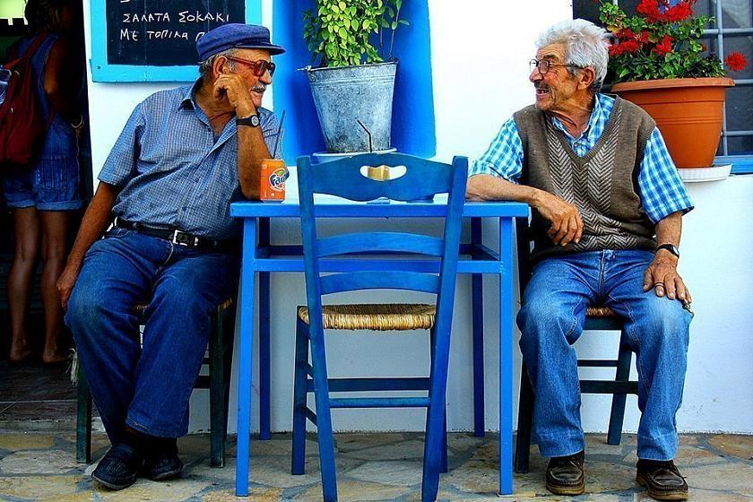 Glück und Langlebigkeit auf Griechisch: Philosophie und Mentalität der Bewohner